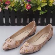 V家金属花朵烫钻低跟浅口单鞋广州图片