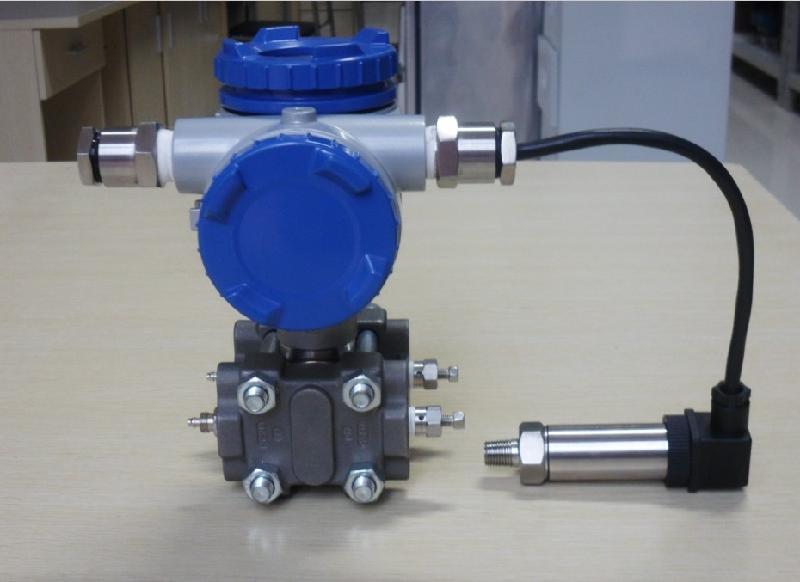 多参量变送器(三代)/MODBUS现场总线标准/自动温度压力补偿