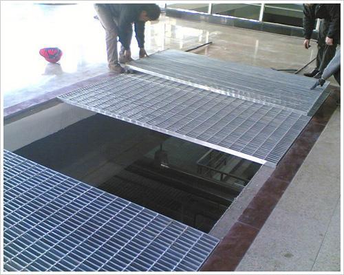 供应建筑吊顶格栅板装饰钢格板