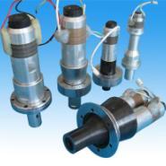 江苏一次性打火机外壳超声波焊接机河南超音波塑料熔接机周转箱焊接机