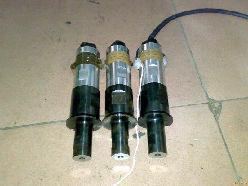 供应广东汽车油箱化州市超声波焊接机十大品牌广东化州市超声波焊接机
