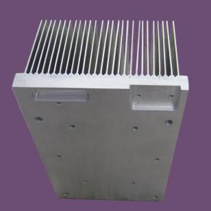 挤压式变频器专用散热器图片