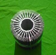 小铝挤压散热器型材图片