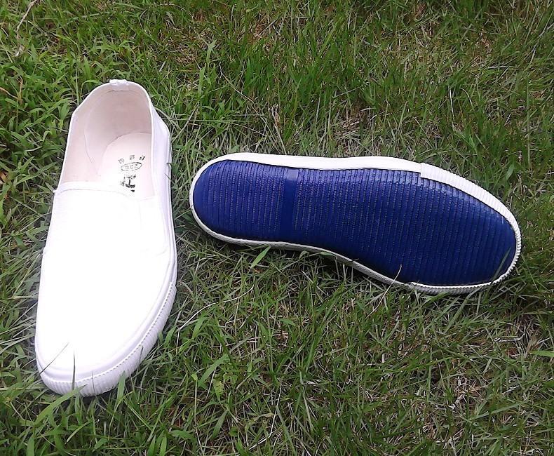 供应白球鞋怀旧白球鞋 白色布鞋 帆布鞋批发 学生鞋 工作鞋 演出鞋