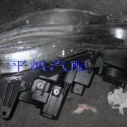 奔驰E280大灯图片