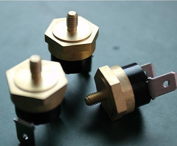 供应铜头温度开关铜头温控器铜头热保护器温控开关推荐刘会军
