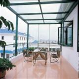 供应蛇口海上世界无框折叠窗,防蚊纱窗铝合金窗厂家供应