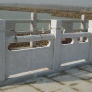 石材栏杆、芝麻白桥栏杆、石材护栏图片