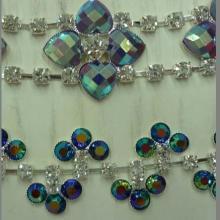 供应服装钻饰,烧焊配件,水钻服装水钻服饰配件,服饰链条,烧焊链条