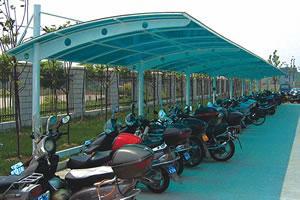 钢结构自行车棚固f�_雨棚,汽车棚,自行车棚,彩钢板车棚,阳光板车棚,膜结构,钢结构等.