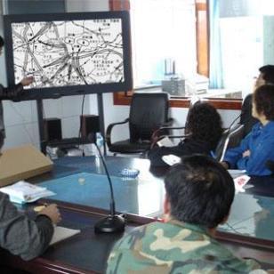 视讯会议系统液晶触摸电子白板图片
