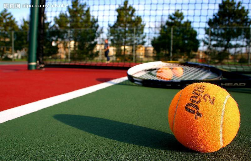 网球场_现代化的网球场做哪种材料用的多