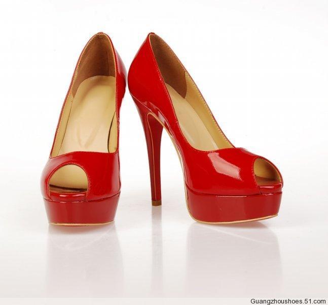 广州利强鞋厂生产供应新款真皮女鞋