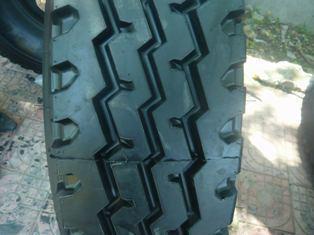 供应900×20汽车轮胎