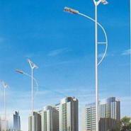 云南太阳能路灯灯杆高10米120图片