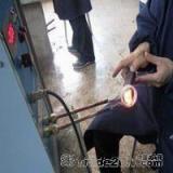 供应锯片锯齿的焊接设备