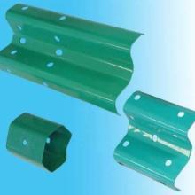 供应四川波形护栏板服务热线18980008021钢管立柱+波形板图片