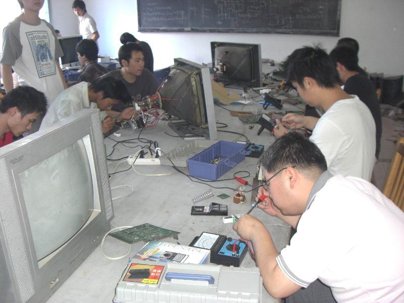 塔城电子职业学校(学院)塔城电子职业学校学院