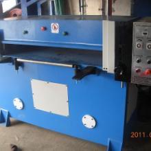 供应裁断机 供应贝荣机械高效40吨裁断机图片