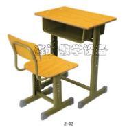 适用于大众化学生课桌椅图片