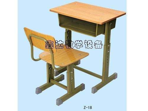 供应新疆特价学生课桌椅
