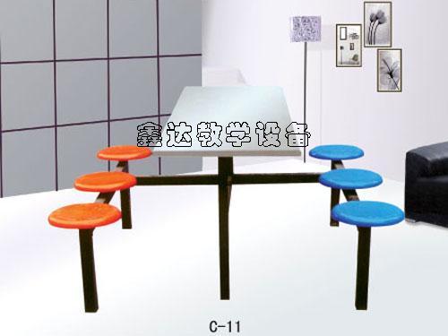 供应宁夏色彩亮丽餐桌椅