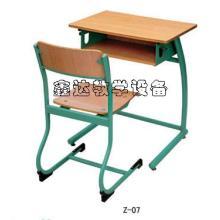供应甘肃环保升降课桌椅图片