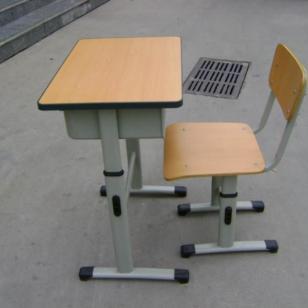 多层板学生课桌椅图片