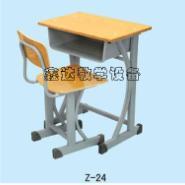 长沙学生课桌椅供应图片