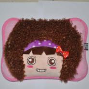 贺州摩斯女孩卡通毛绒电热水袋批发图片