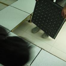 供应重庆防静电瓷砖、重庆防静电地板