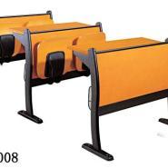 低价出售防火板课桌椅图片