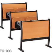 防火板课桌椅图片