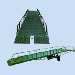 登車橋/液壓登車橋/移動式登車橋/固定式液壓登車橋/集裝箱登車橋