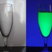 UV荧光粉生产厂家,涂料专用UV荧光粉,金点超高亮UV荧光粉图片