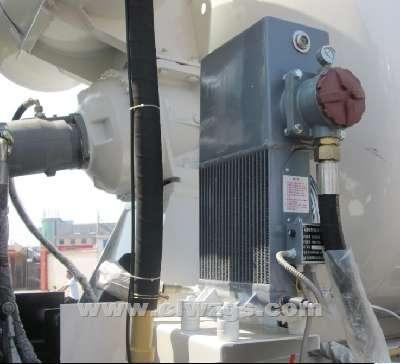 湖北程力 水泥搅拌车的专用机构高清图片