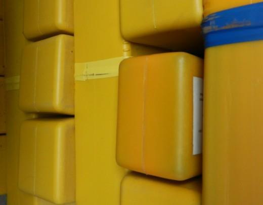 焊材图片 焊材样板图 焊材 中大焊接材料回收公司