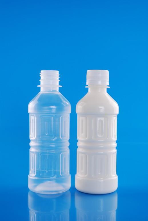 供应那里生产的透明塑料瓶最好 塑料饮料瓶(盖)托盘