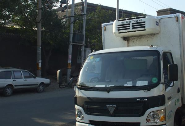 供应冷藏车专业车厢维修图片