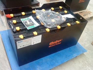 供应太仓合力CPD15电动叉车电瓶图片