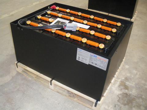 供应上海合力CPD15电动叉车电瓶图片