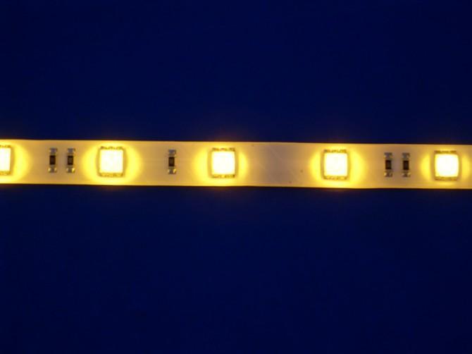 供应5050软灯条一米30灯黄光图片
