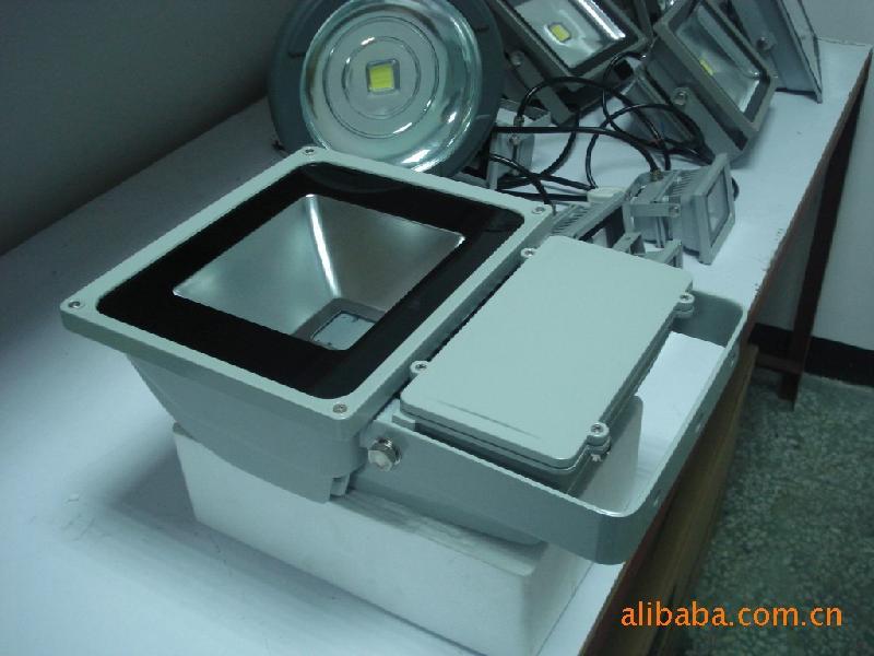 供应广告专用灯LED泛光灯150W