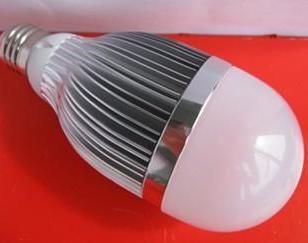 LED球泡灯10W图片
