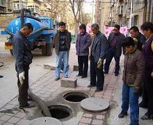 南京雨花区清理化粪池抽粪车吸粪环卫吸粪车价格公道疏通室内外下水道图片