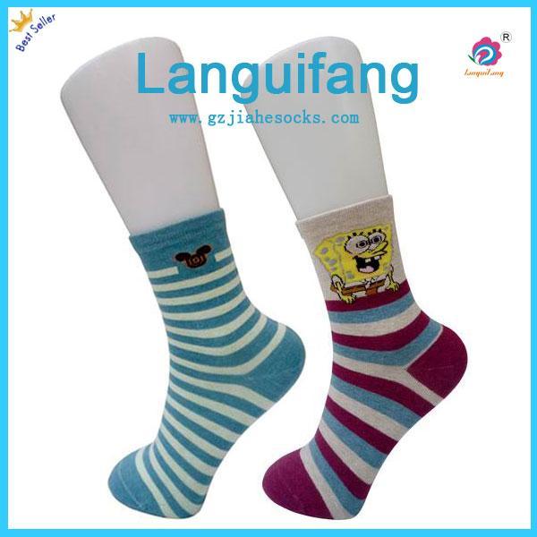 時尚中統條紋女襪销售
