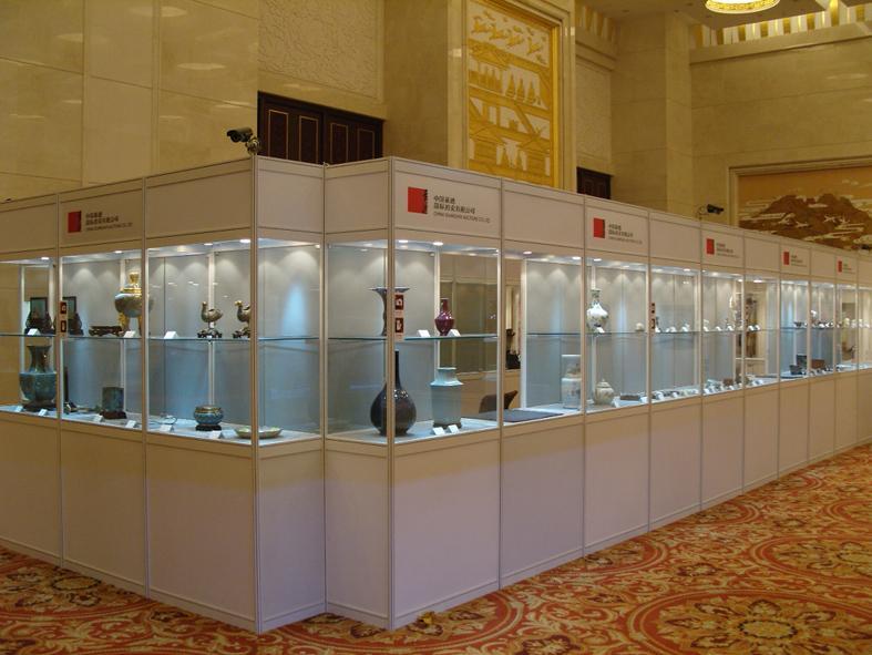 玻璃柜供货商 供应北京多样展柜搭建八棱柱玻璃柜租赁 北...