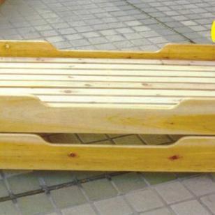 木制幼儿重叠床-原木色图片