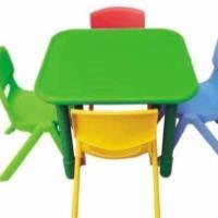 供应低价批发幼儿园彩色塑料儿童椅