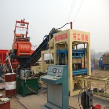 供应巩义裕工专业砌块机厂家出售水泥砌块机升级版 水泥砌块机主机价格图片